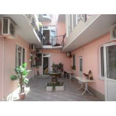Верона - гостевой дом в частном секторе Евпатории у оз. Мойнаки - снять в жилье недорого. Цена отдыха летом 2019 от 1000