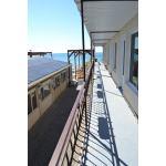 На берегу моря, эллинги Корсар в Евпатории, Симферопольская 2-хместные номера. Цена отдыха 2018 от 2000 рублей.