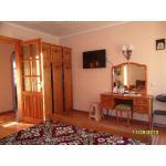 В гостевом доме Теремок у моря 3ком. квартира, снять жилье в Евпатории. Цена жилья для отдыха 2019 от 2500