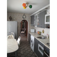 Жилье в Евпатории снять 3ком. квартиру для отдыха в частном секторе недорого