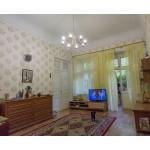 145. Купить квартиру в Евпатории у моря - 3 ком. в старинном доме. Цена недвижимости 11 млн.