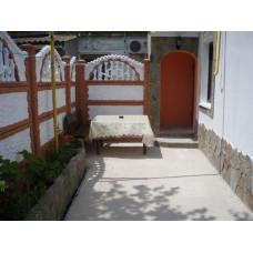 Жилье в частном секторе Евпатории снять недорого 3ком. дом с двориком