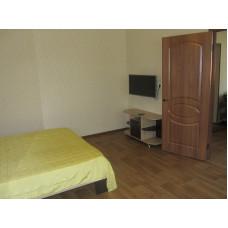 Снять 1комнатную квартиру в частном секторе Евпатории на длительный срок по цене 14500
