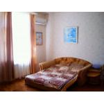Снять жилье - 2ком. квартиру для отдыха в Евпатории на Фрунзе. Цена летом 2019 от 1500