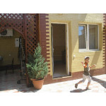 Жилье в Евпатории, комнаты с удобствами в частном отеле недорого 1ком. и 2ком. Снять жилье по цене от 1000