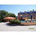 Отель Юлиана с бассейном в курзоне Евпатории - 5 мин. к морю. Цена жилья летом 2019 от 3500